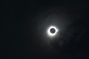 Den totala solförmörkelsen i Ternate
